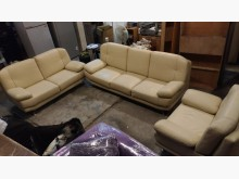 [9成新] 【尚典】米黃3+2+1半牛皮沙發多件沙發組無破損有使用痕跡