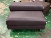 [9成新] 咖啡皮面輔助椅*輔助椅*茶几*單人沙發無破損有使用痕跡