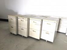 [7成新及以下] 活動抽屜櫃辦公櫥櫃有明顯破損