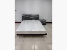 [8成新] 床頭櫃、床墊、床架、矮櫃整套出清雙人床墊有輕微破損