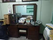 [8成新] 二手鏡面梳妝台(附座椅)鏡台/化妝桌有輕微破損