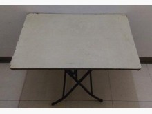 二手折疊桌/餐桌/拜拜桌/麻將桌其它桌椅無破損有使用痕跡