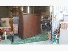 [8成新] 合運二手傢俱~胡桃色七尺三門衣櫃衣櫃/衣櫥有輕微破損