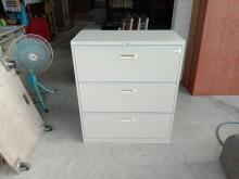 [9成新] 三抽理想櫃H03416辦公櫥櫃無破損有使用痕跡