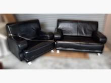 [8成新] 2+1黑色半牛皮沙發多件沙發組有輕微破損