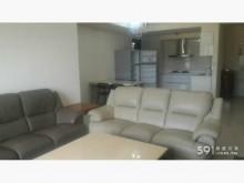 [95成新] 淺灰色小牛皮實用沙發賣屋隨便賣多件沙發組近乎全新