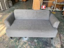 [9成新] 灰布二人布沙發*多功能沙發*沙發雙人沙發無破損有使用痕跡