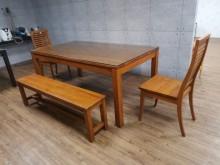九成新新麗屋柚木餐桌椅組餐桌椅組無破損有使用痕跡