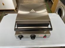 [95成新] 吉田二手傢俱❤近全新四方型鬆餅機其它廚房家電近乎全新