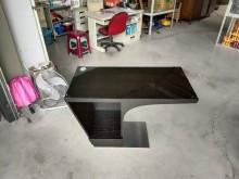 [9成新] 造型電腦桌辦公桌含玻璃電腦桌/椅無破損有使用痕跡