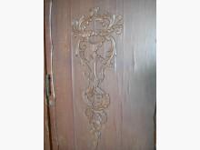 [7成新及以下] 二手上下兩層衣櫥櫃功能正常有雕花衣櫃/衣櫥有明顯破損