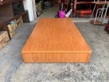 柚木色單人加大3.5尺床箱單人床架有輕微破損
