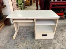 灰白面4尺 全套式電腦桌-事務桌辦公桌有輕微破損