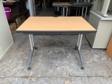[9成新] 鋁合金腳100木紋面雙屜電腦桌電腦桌/椅無破損有使用痕跡