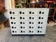 [9成新] 大富牌多用途鋼製20格置物櫃鞋櫃辦公櫥櫃無破損有使用痕跡