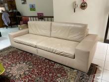 [8成新] 240公分寬真皮沙發雙人沙發有輕微破損