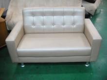 [全新] 珍珠白皮沙發雙人沙發全新