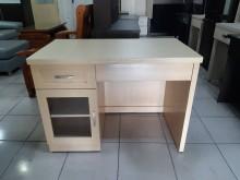 [9成新] 白橡色木心板3尺半書桌書桌/椅無破損有使用痕跡