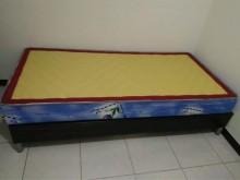 [95成新] 9.9成新單人彈簧床單人床墊近乎全新