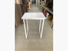 白色餐桌/白色書桌/邊桌/角落桌餐桌近乎全新