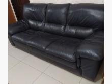[8成新] 二手 半牛皮3人座沙發多件沙發組有輕微破損
