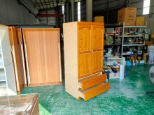 合運二手傢俱~松木單人衣櫃衣櫃/衣櫥有明顯破損
