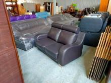[8成新] 合運二手傢俱~咖啡色兩人皮沙發雙人沙發有輕微破損