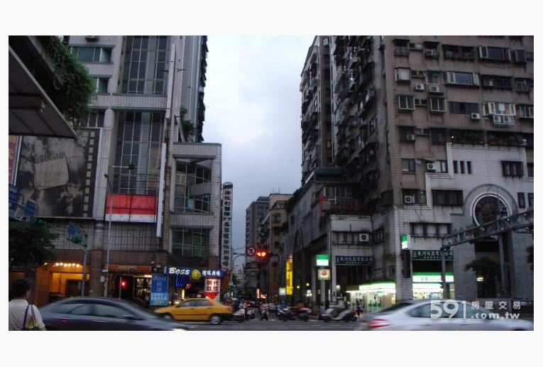 台北租屋,大同租屋,店面出租,兩側15F住商大樓附近住宅大樓多