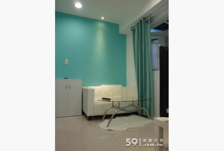 台北租屋,大安租屋,獨立套房出租,私人客廳.全室亮翻.20盞LED