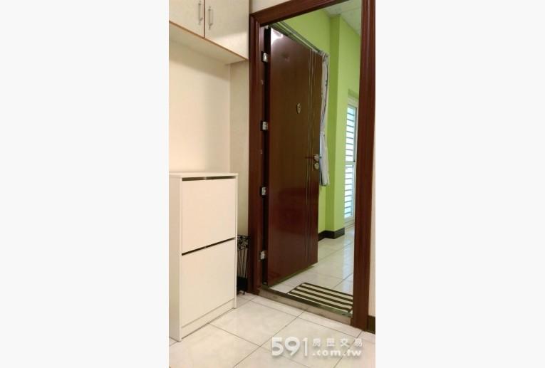 台北租屋,中山租屋,獨立套房出租,新裝防火隔音極佳金屬門與鞋櫃