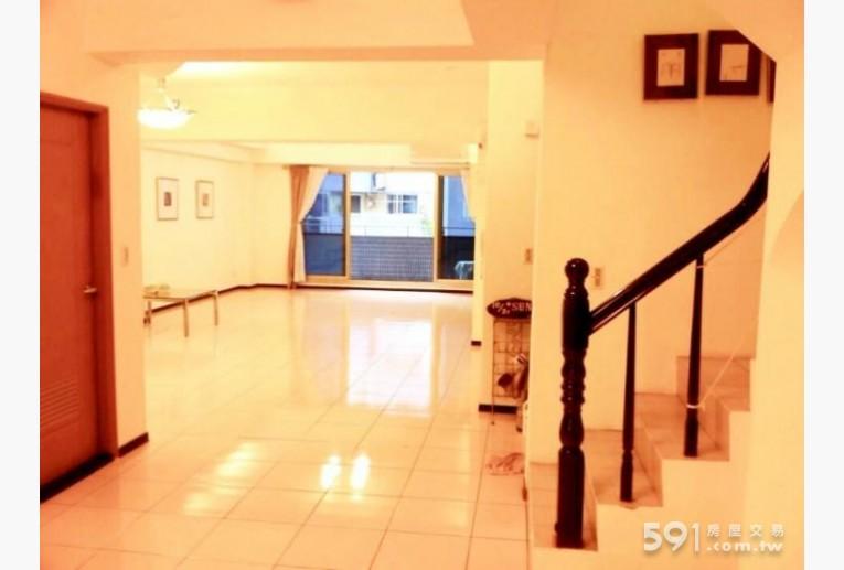 台北租屋,內湖租屋,整層住家出租,豪華超大客廳