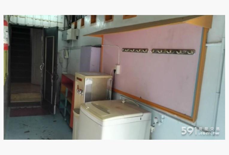 台南租屋,北區租屋,整層住家出租,一樓公共區域(洗衣機/RO冰溫熱