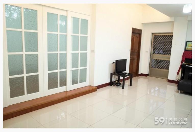 雲林租屋,虎尾租屋,整層住家出租,客廳約12坪大小