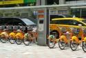 松江南京U-Bike租借站在門口