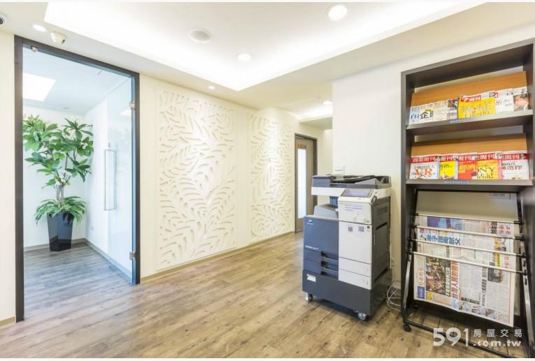 台北租屋,大安租屋,辦公出租,寬敞明亮的走廊,獨立隔間辦公室