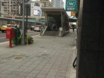 台北租屋,松山租屋,店面出租,雙捷運南京復興站6號出口黃金店面