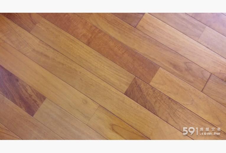 台北租屋,文山租屋,獨立套房出租,柚木的實木地板