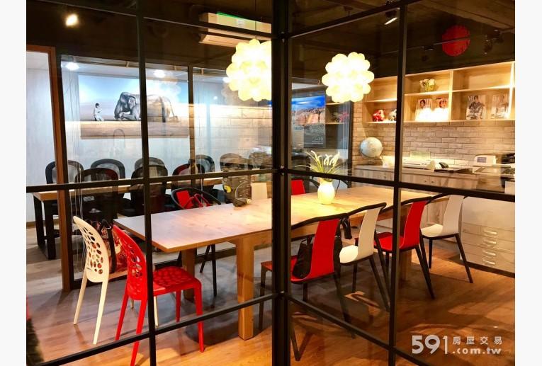 台北租屋,中山租屋,辦公出租,開放明亮的會客區、洽談區