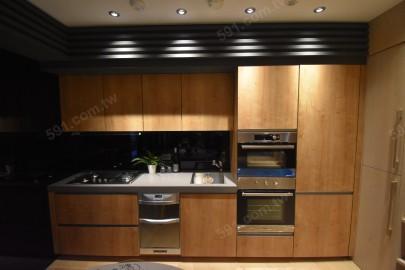 廚房採一字型
