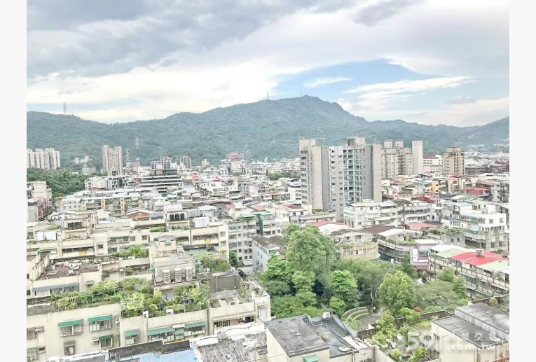 台北租屋,南港租屋,整層住家出租,陽台後方山景無限