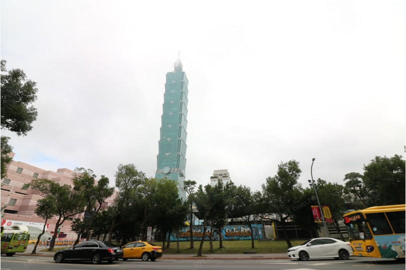 台北101就算遠看也是氣勢