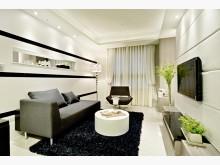 巴黎第六區!時尚白色美裝潢!屋況好雙衛浴