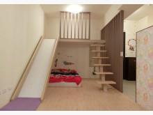近74溫馨2房/屋齡新/在家就可以溜滑梯