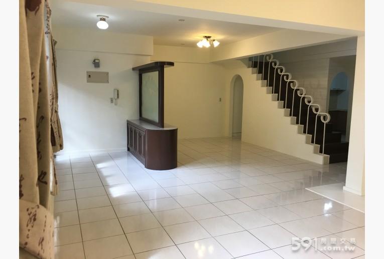 台北租屋,士林租屋,整層住家出租,1樓玄關以及餐廳