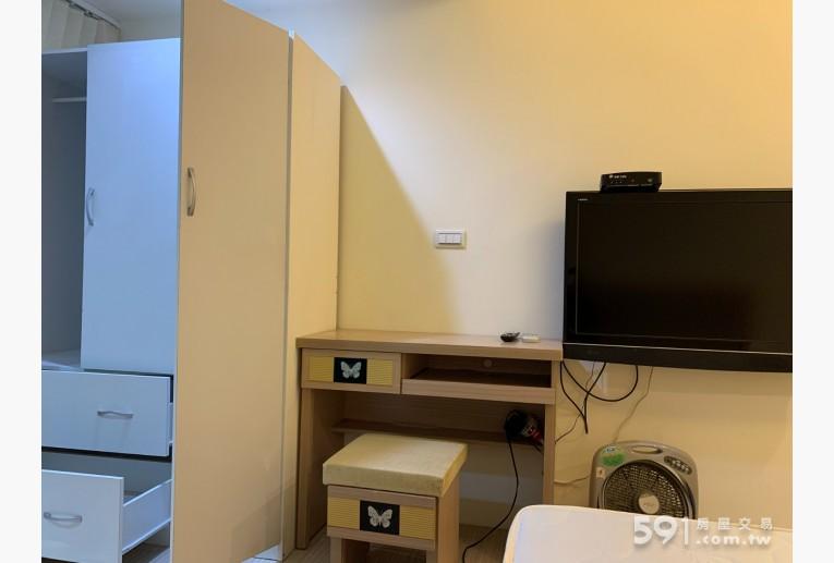 台北租屋,大安租屋,獨立套房出租,電視、衣櫃、化妝桌椅
