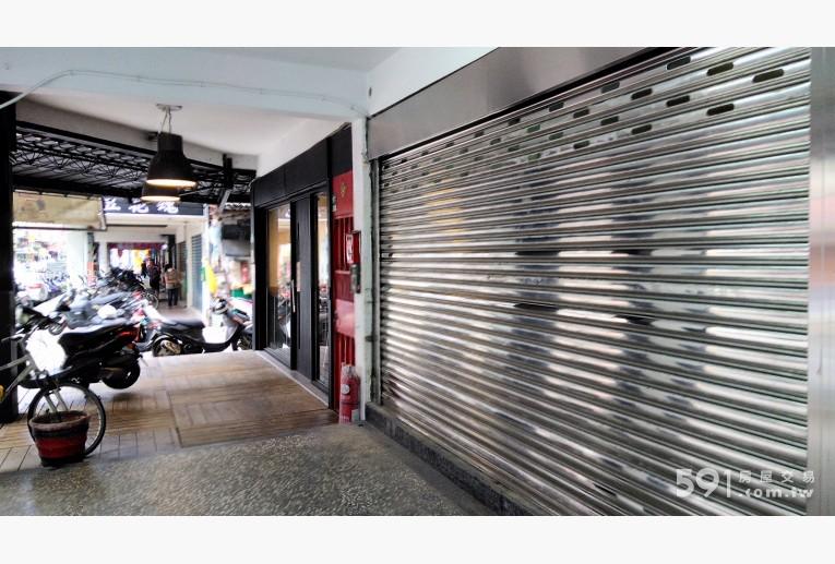 台北租屋,士林租屋,店面出租,白鐵鋼門換新,氣象更新,生意來。