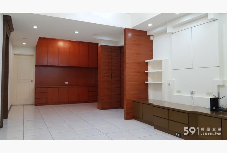台北租屋,中山租屋,整層住家出租,從客廳看餐廳